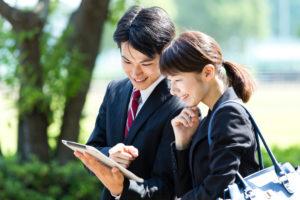 「営業」と「販売」の違いは?仕事内容や求められるスキルとは